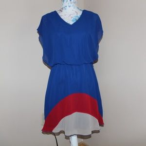 3/20 Sweet Storm blue, red, & tan dress size large